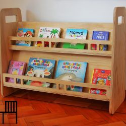Fabricado en Plywood.