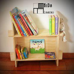 Repisa para libros infantiles.